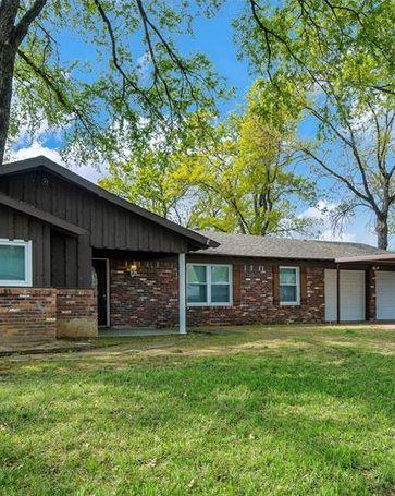 405 Fieldwood Terrace Hurst, TX, 76053