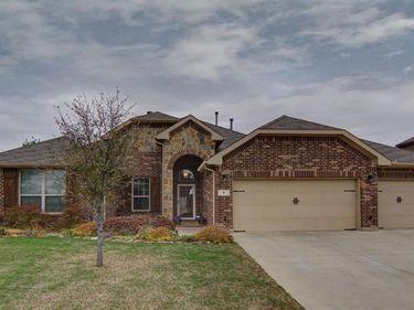 8 Duskview Lane, Edgecliff Village, TX, 76134,