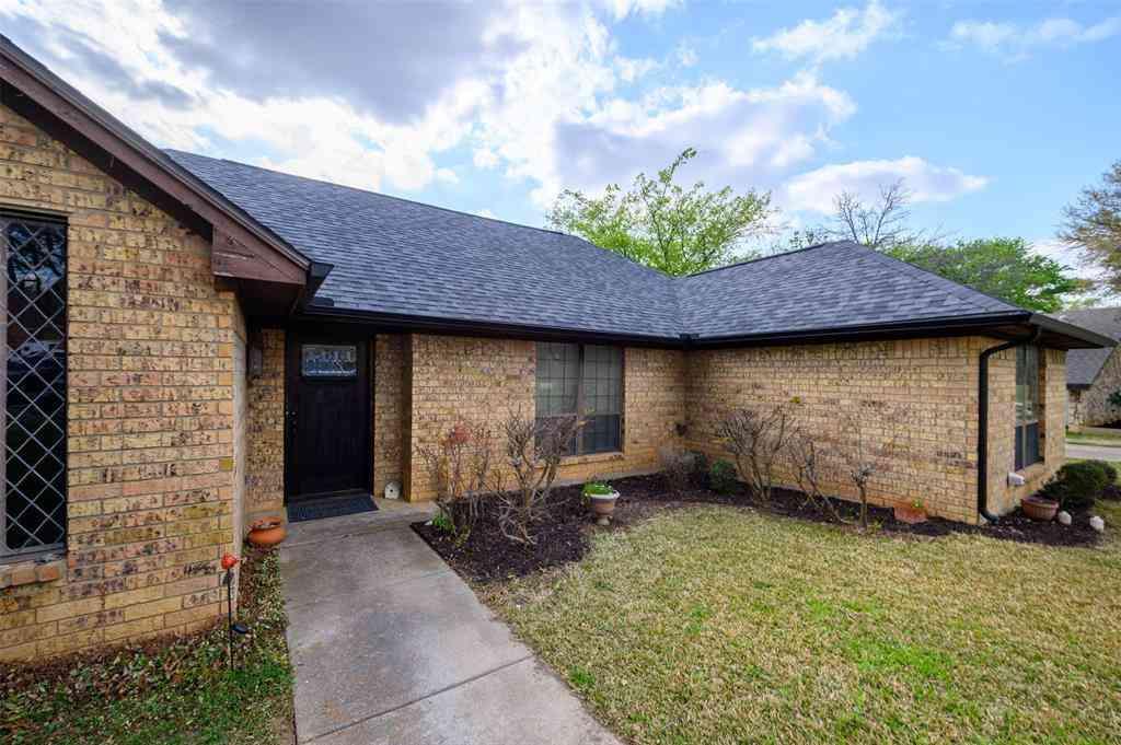 2144 Pembrooke Place, Denton, TX, 76205,