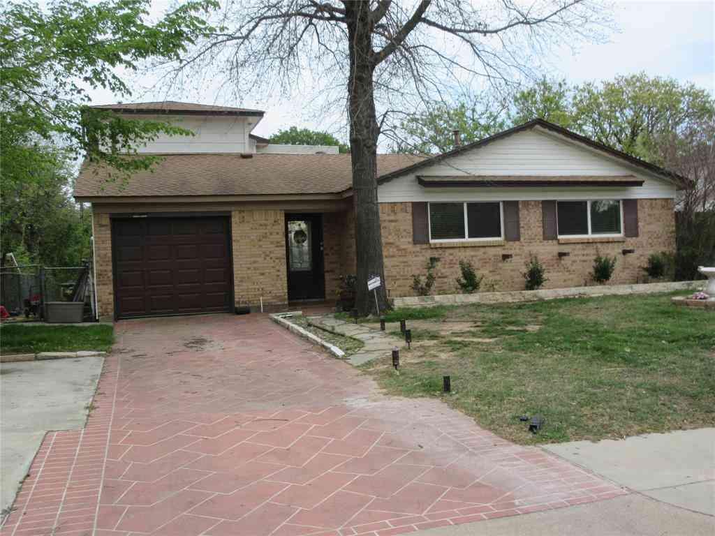 504 Arwine Drive, Hurst, TX, 76053,