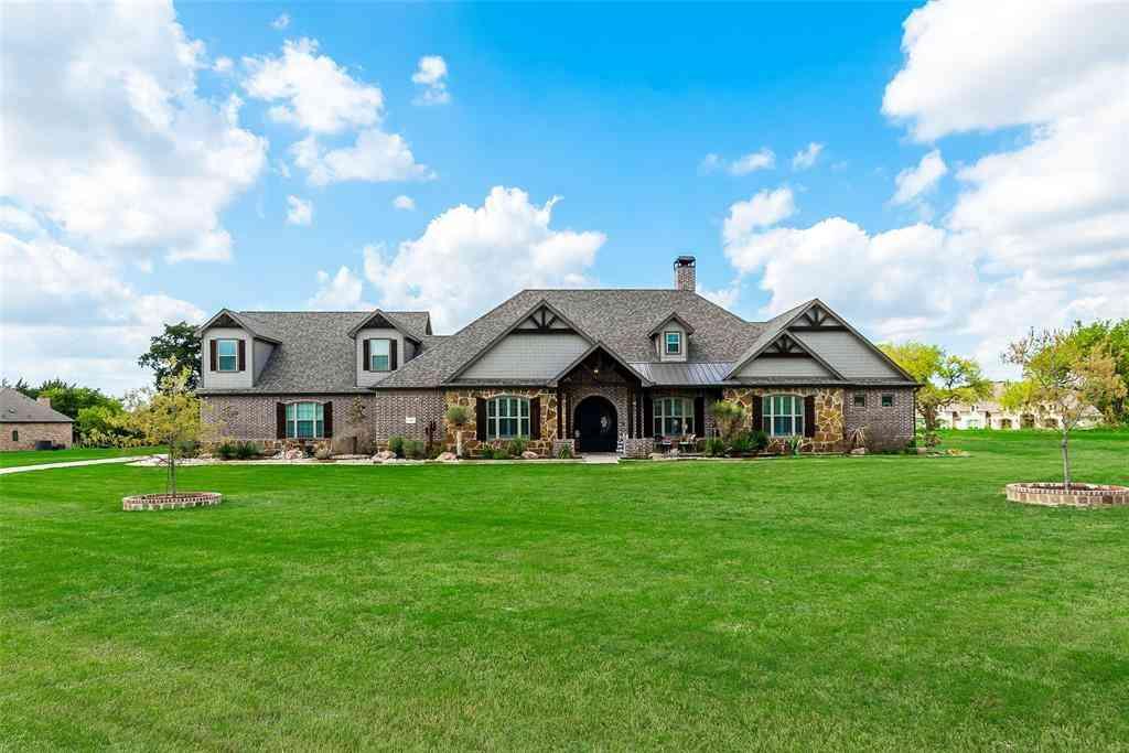 135 Sullivan Way, Waxahachie, TX, 75167,