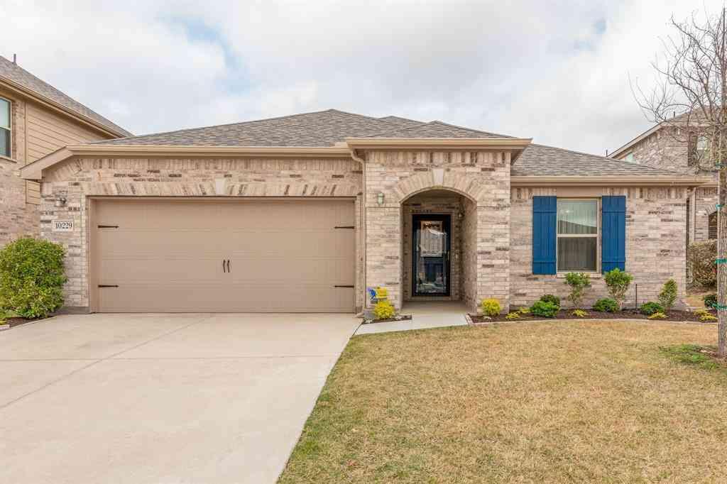 10229 Fox Springs Drive, Fort Worth, TX, 76131,