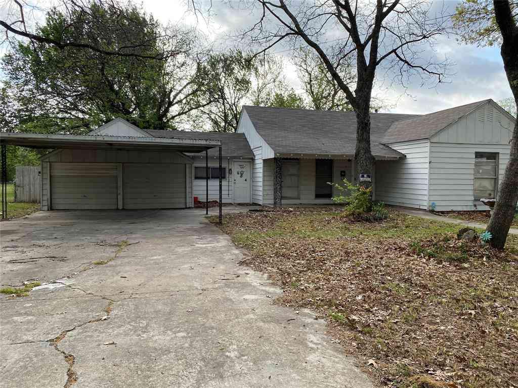 604 Frontier Street, River Oaks, TX, 76114,