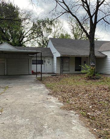 604 Frontier Street River Oaks, TX, 76114