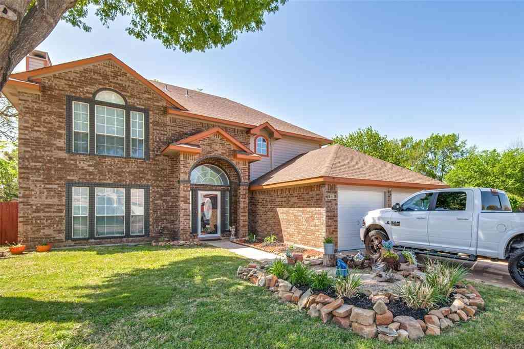 225 Canterbury Street, Euless, TX, 76039,