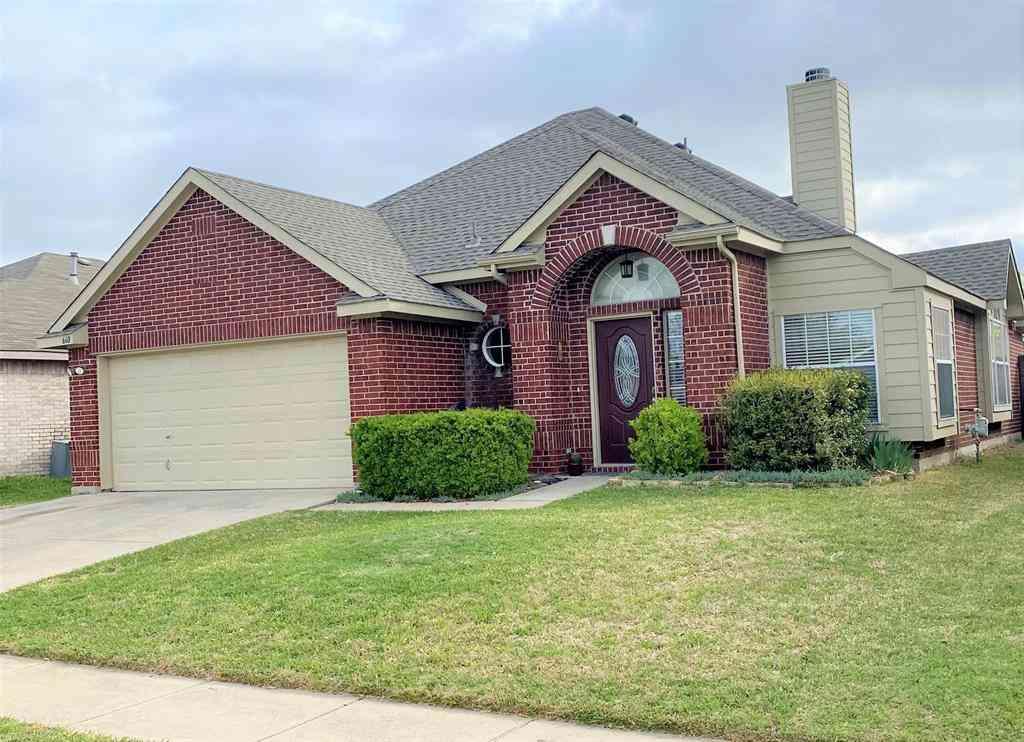 660 Crystal Brook Drive, Saginaw, TX, 76179,