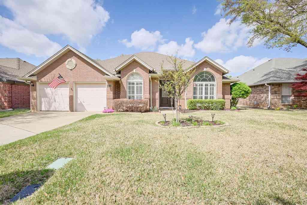 2217 S Branch Drive, Arlington, TX, 76001,