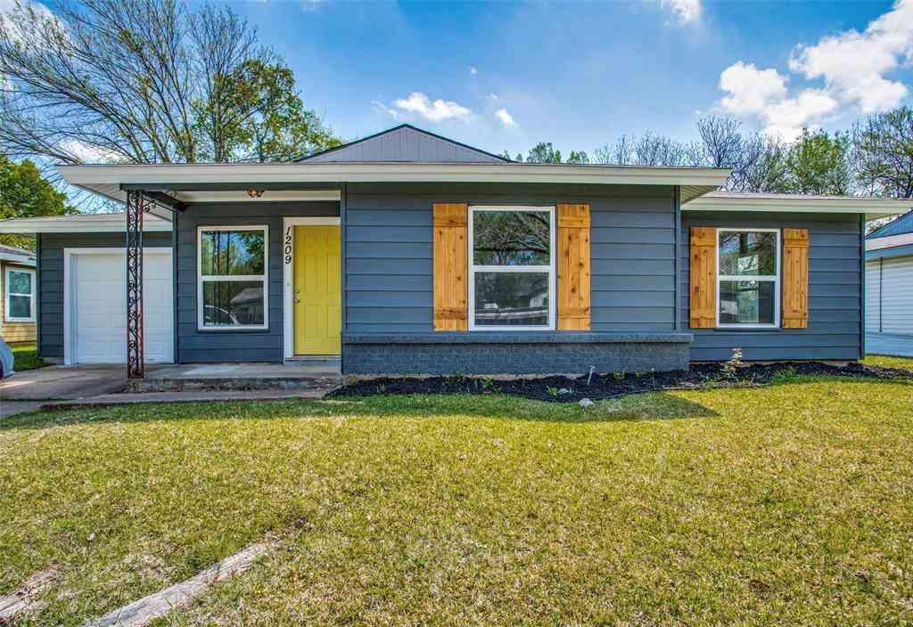 1209 Ralph Street, Grand Prairie, TX, 75051,
