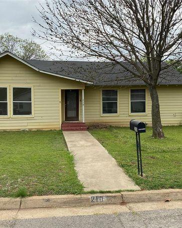 210 N Pendell Avenue Cleburne, TX, 76033