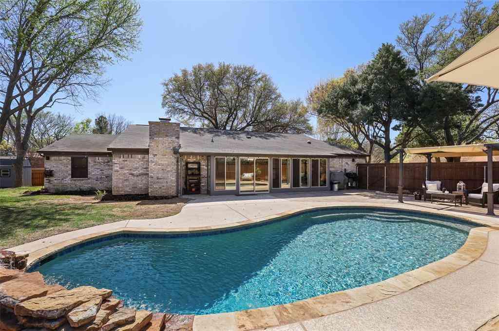 2304 Mockingbird Drive, Grapevine, TX, 76051,