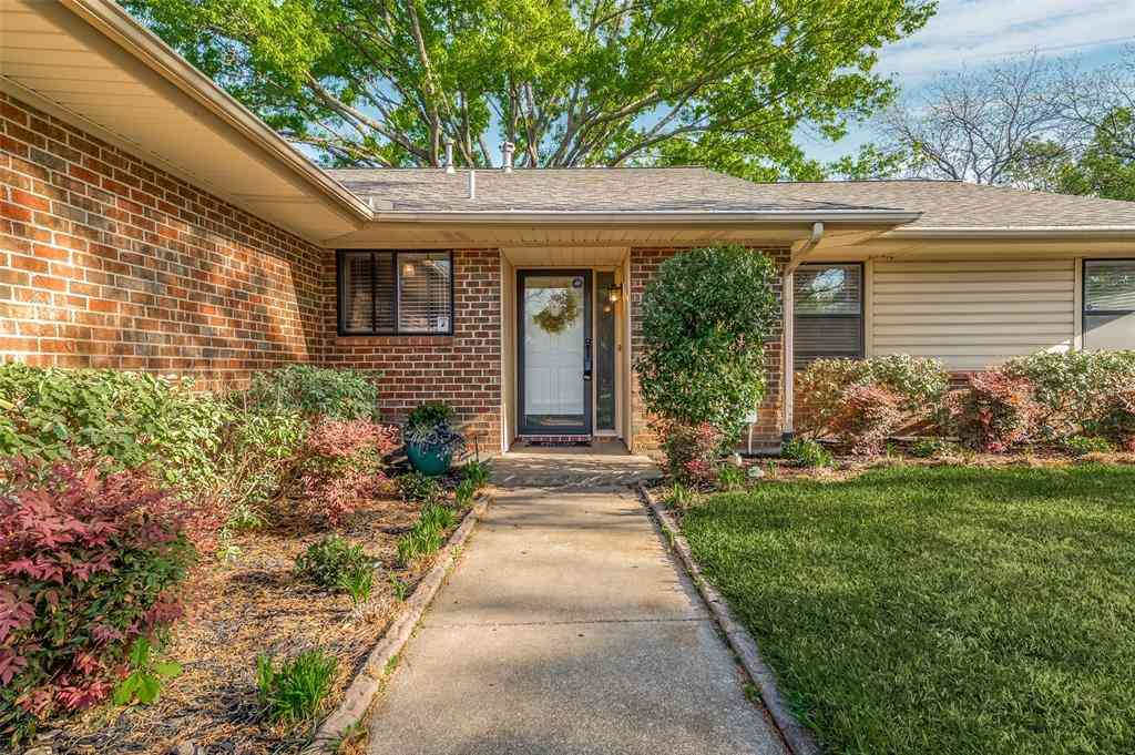 2701 Norwood Lane, Arlington, TX, 76013,