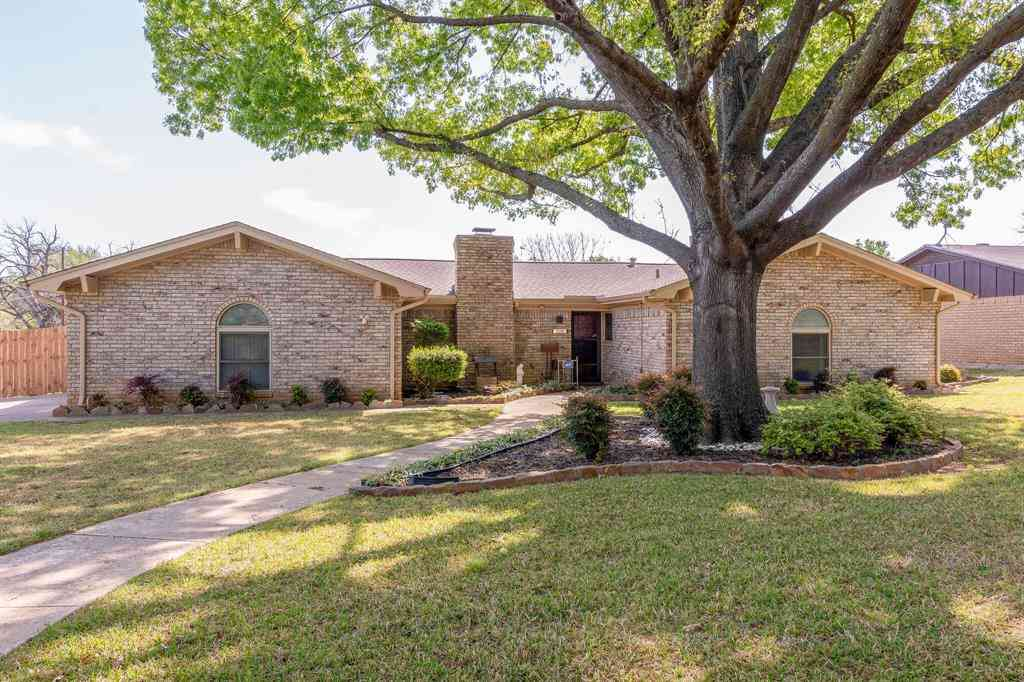 228 Crosstimber Drive, Hurst, TX, 76053,
