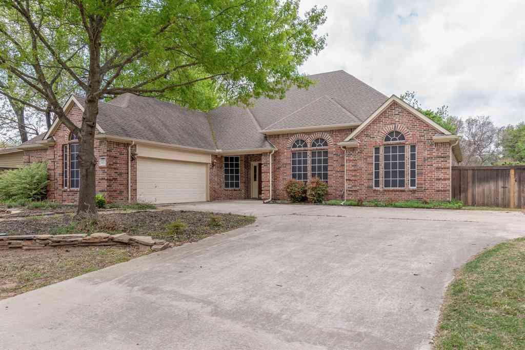 305 Fanning Drive, Hurst, TX, 76053,