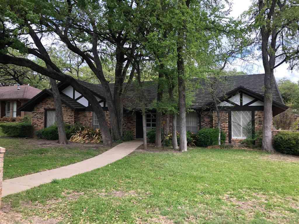 1809 Hillvalley Drive, Arlington, TX, 76013,