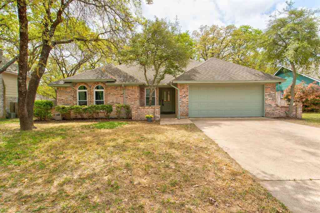 1040 Oak Ridge Drive, Azle, TX, 76020,