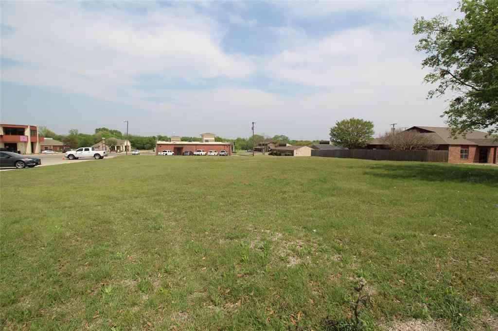 308 Lincoln Park Drive, Cleburne, TX, 76033,