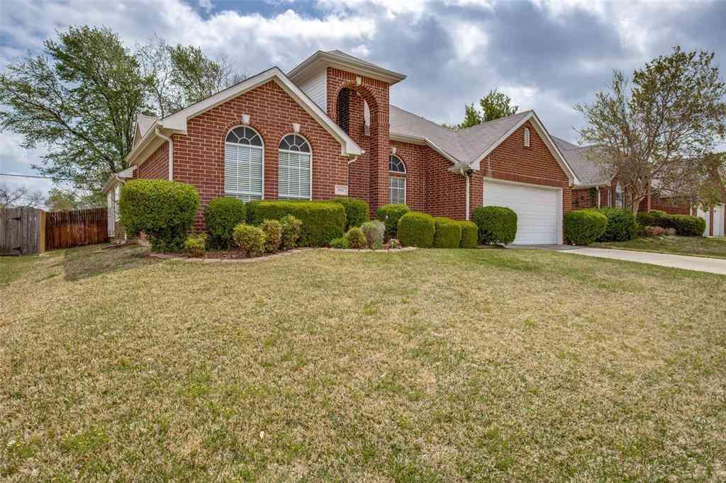 908 Becker Drive, Euless, TX, 76039,
