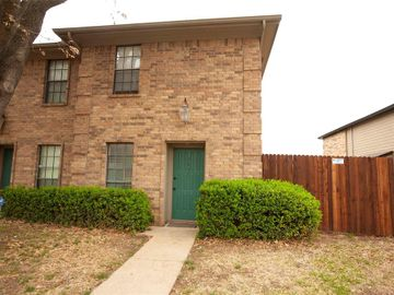 7431 Kingswood Circle, Fort Worth, TX, 76133,