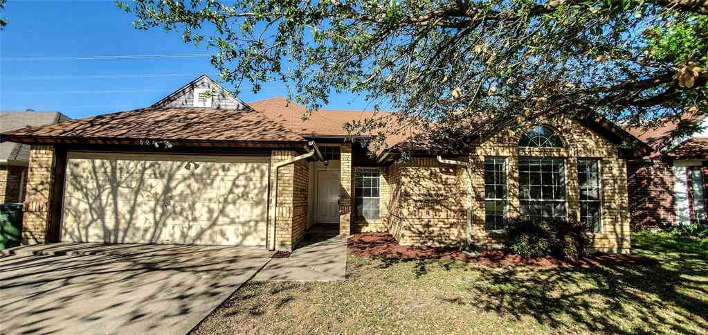 804 Xavier Drive, Arlington, TX, 76001,