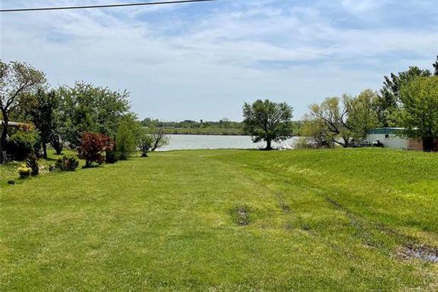 339 Lakeside Drive