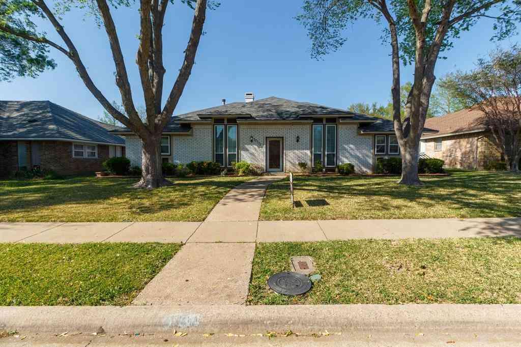 10111 Deermont Trail, Dallas, TX, 75243,