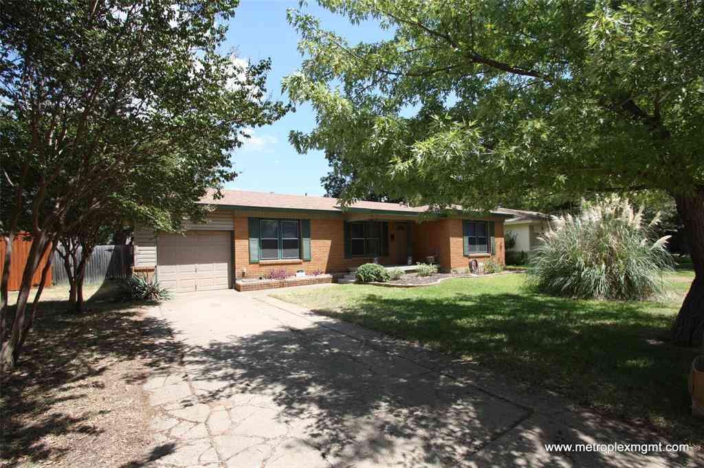 6717 John Drive, Richland Hills, TX, 76118,