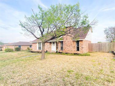 2906 Owen Lane, Mesquite, TX, 75150,