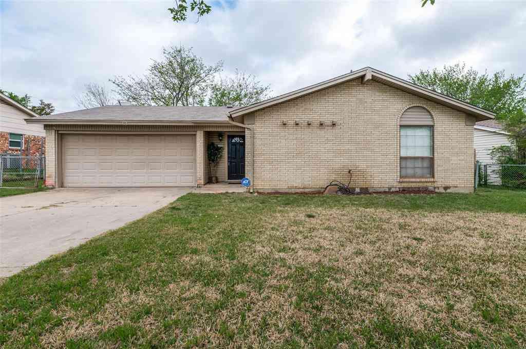 209 E Malone Avenue, Crowley, TX, 76036,
