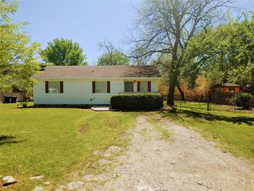 6063 Meandering Road, Fort Worth, TX, 76114,