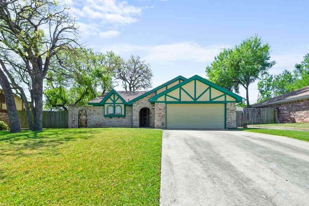 413 Salem Drive, Hurst, TX, 76054,
