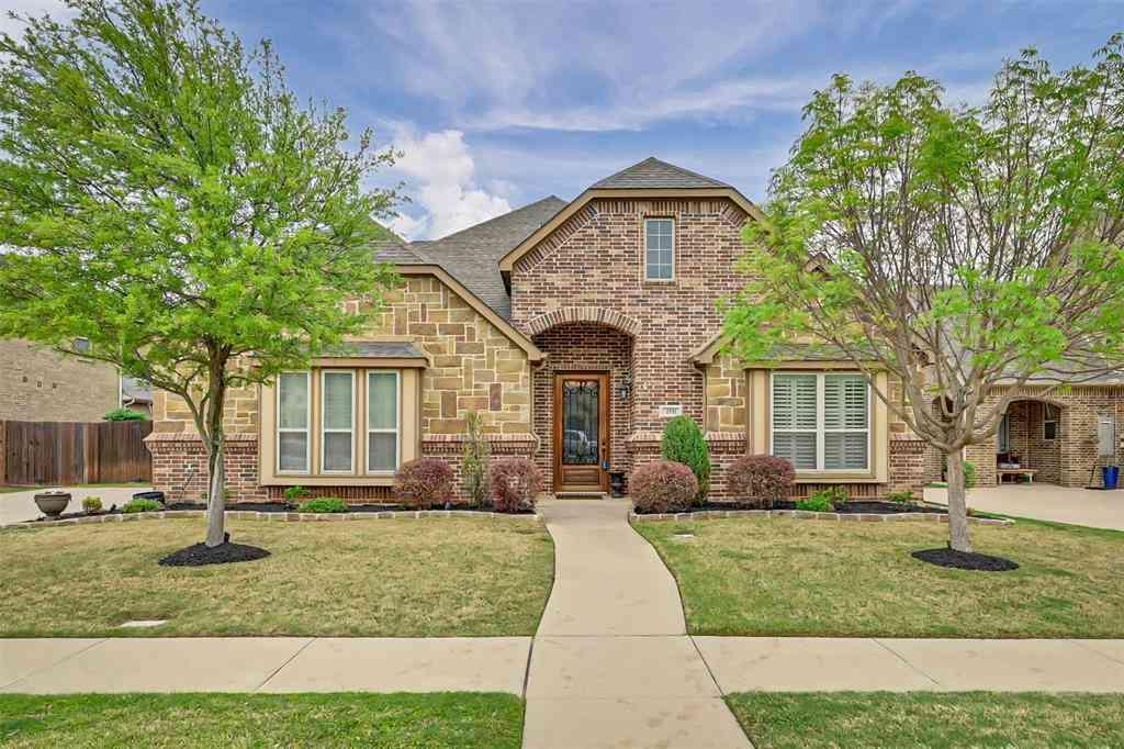 2711 Stonebriar Court, Arlington, TX, 76001,