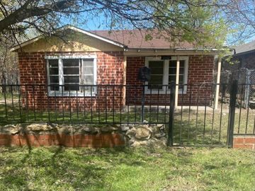 5724 Wellesley Avenue, Fort Worth, TX, 76107,