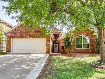 6917 Mccracken Court, Fort Worth, TX, 76132,