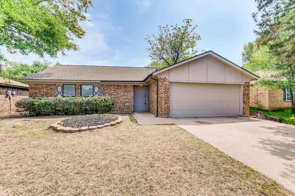4104 Willow Springs Drive, Arlington, TX, 76001,