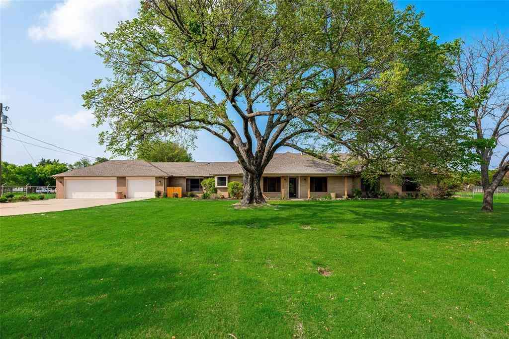 1021 E Wintergreen Road, Cedar Hill, TX, 75104,