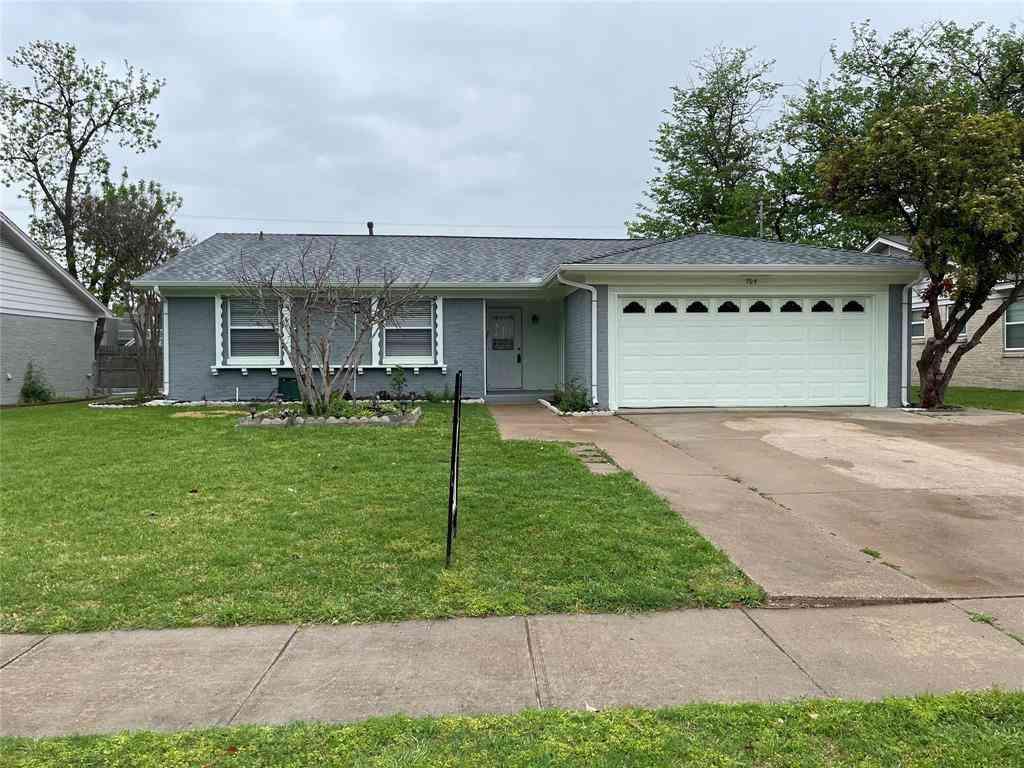 705 N Cottonwood Drive, Richardson, TX, 75080,