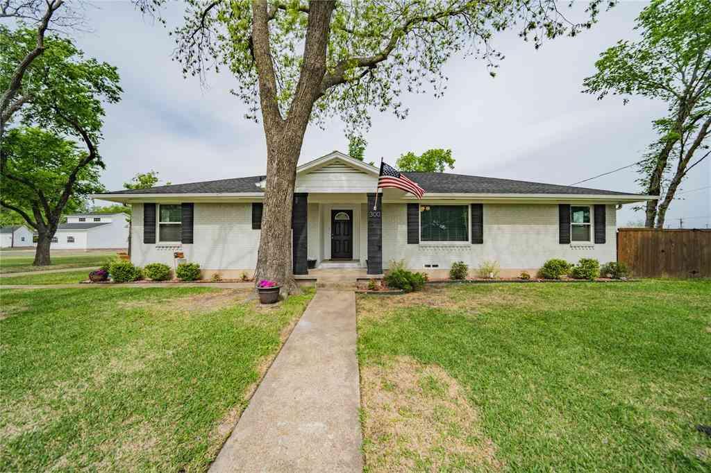 300 S Center Street, Forney, TX, 75126,