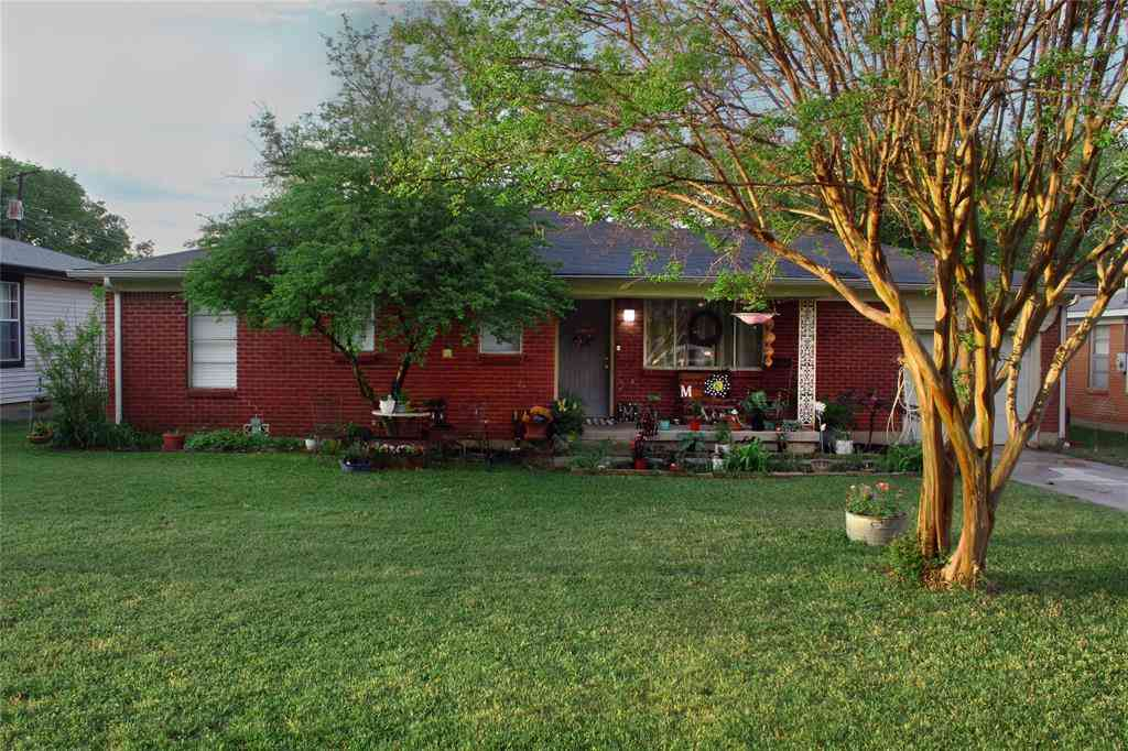1013 Black Street, Hurst, TX, 76053,