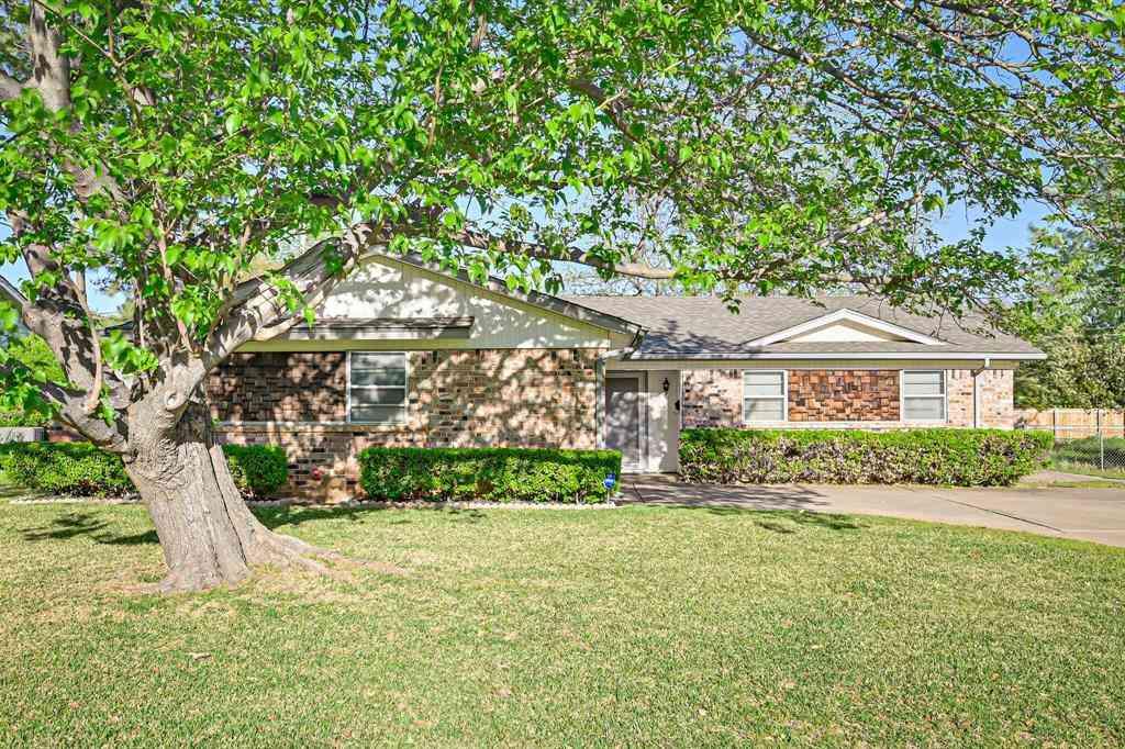 408 Apple Blossom Lane, Hurst, TX, 76053,