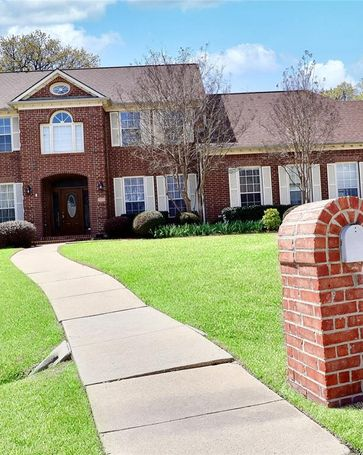 1112 Sweet Spring Court Lewisville, TX, 75067