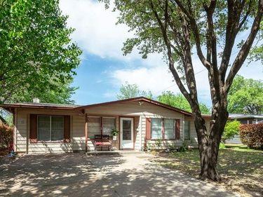 2627 Greenhurst Drive, Farmers Branch, TX, 75234,
