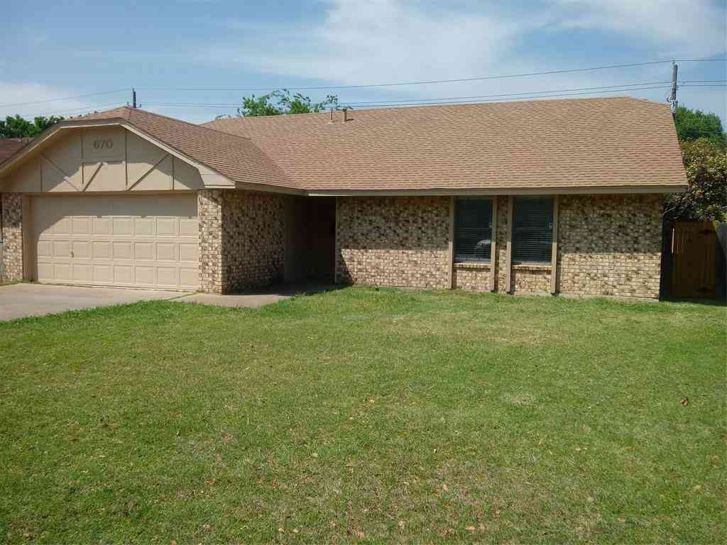 670 Hillside Drive, Cedar Hill, TX, 75104,