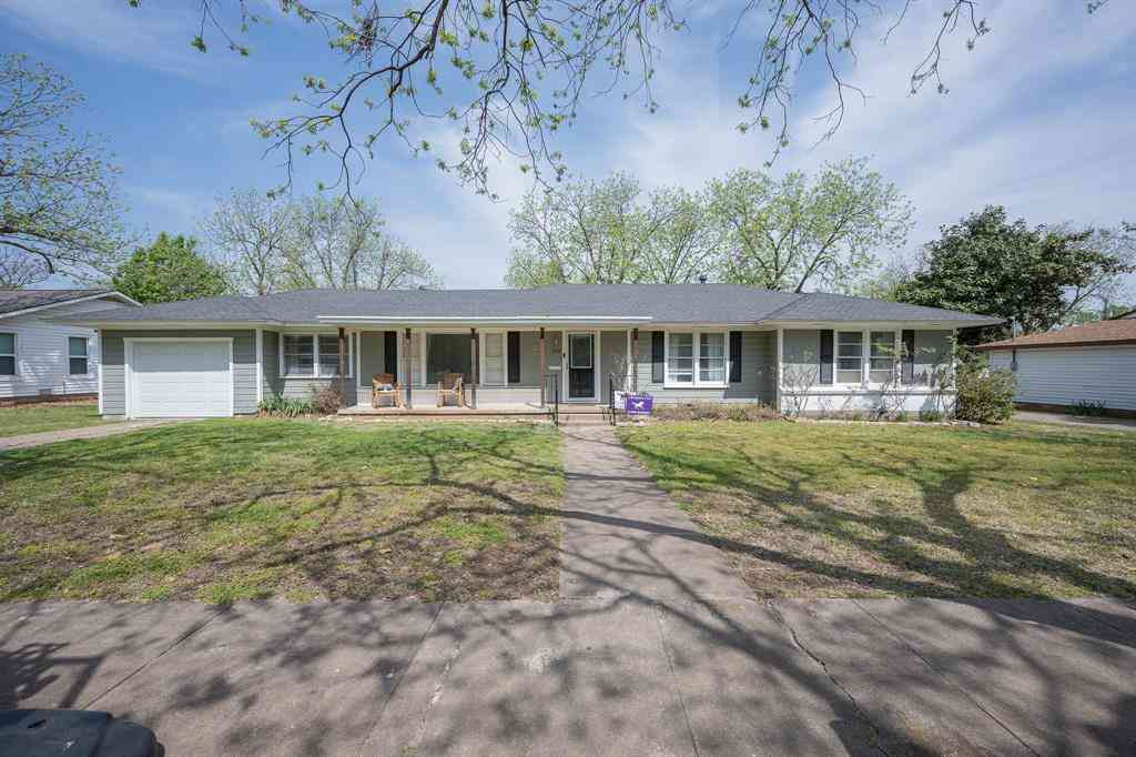 206 Moon Street, Cleburne, TX, 76033,