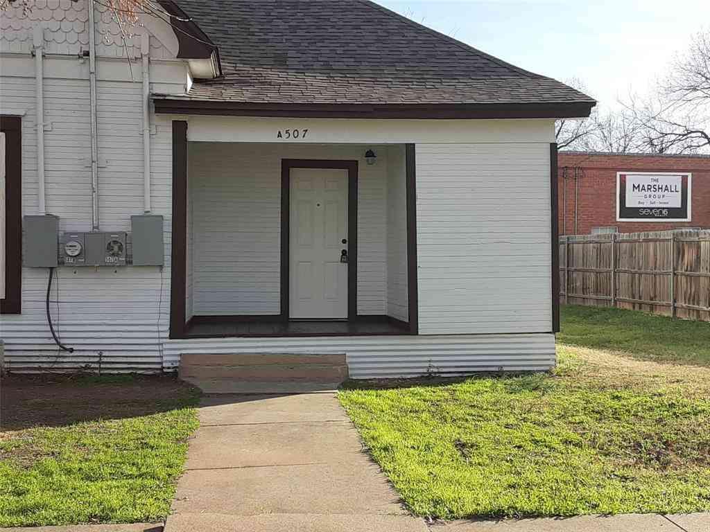 507 W Chambers Street, Cleburne, TX, 76033,