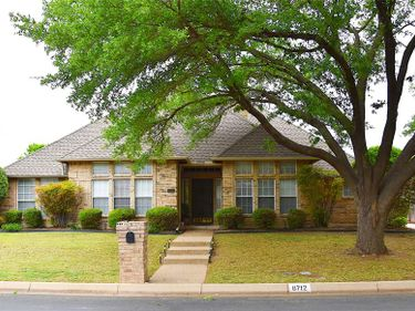 6712 Castle Creek Drive, Fort Worth, TX, 76132,