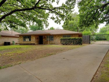 1505 Upton Place, Irving, TX, 75060,