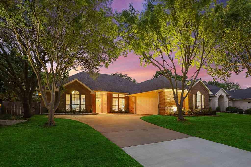614 Indian Creek Drive, Trophy Club, TX, 76262,