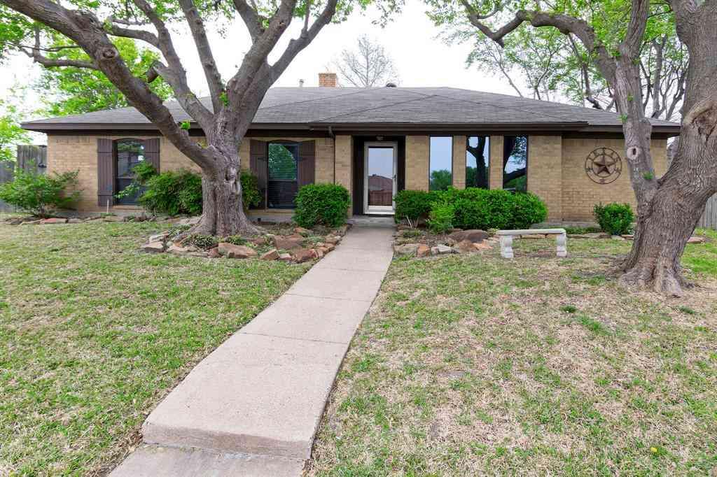 2250 Roundrock Circle, Carrollton, TX, 75007,