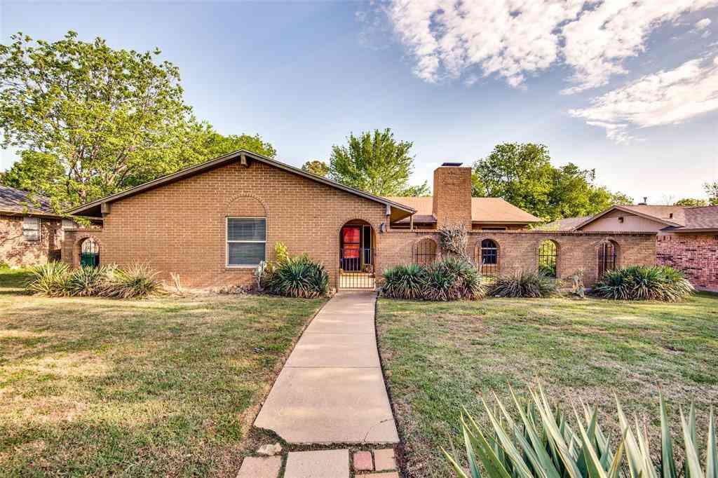 1420 Auburn Drive, Denton, TX, 76201,