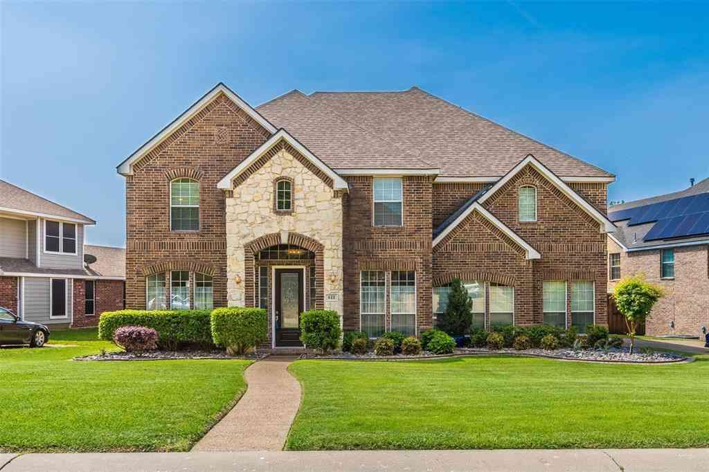 611 Creekwood Lane, Grand Prairie, TX, 75052,